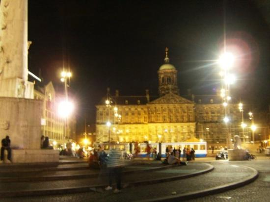 The other side of the Dam Square