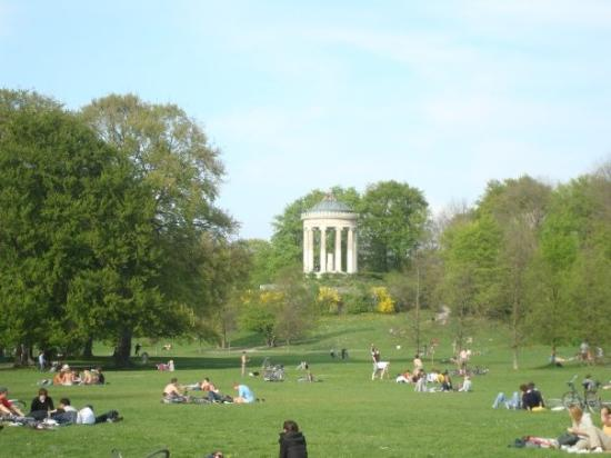 englischer garten photo de englischer garten munich tripadvisor. Black Bedroom Furniture Sets. Home Design Ideas