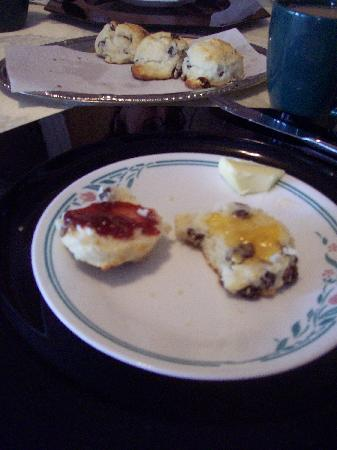Gretna Green Bed and Breakfast : Home-baked scones with home-made jams.  MMMM!