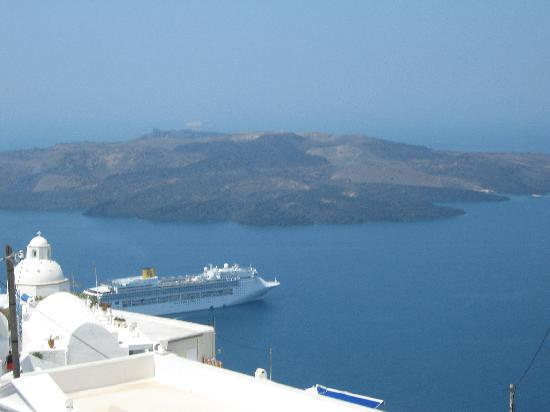 Hotel Hippocampus: View from closeby Thira