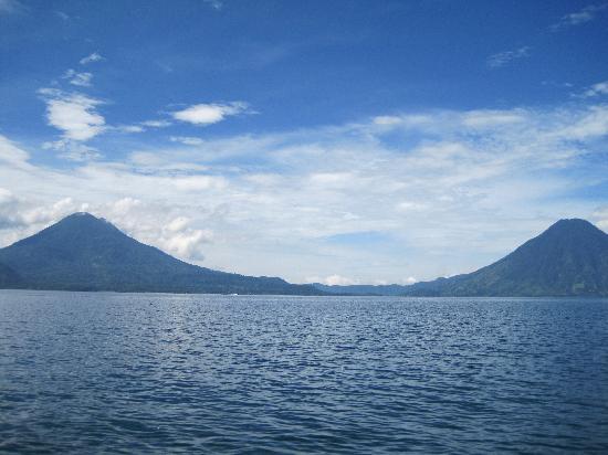 Hotel Dos Mundos: Lake Atitlan