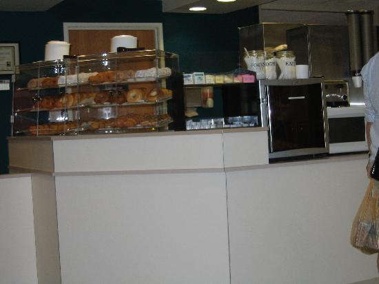 Microtel Inn & Suites by Wyndham Christiansburg/Blacksburg: Breakfast