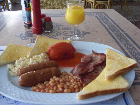 Hotel Tagomago: Breakfast 3 mins from the hotel