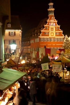 Esslingen am Neckar, เยอรมนี: Middle Age Christmas Market in Esslingen, Germany.
