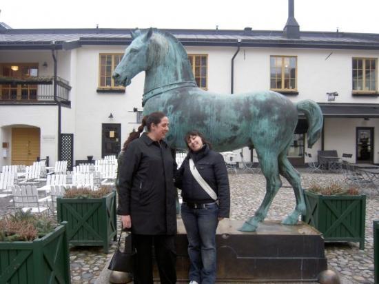 เออเรบรู, สวีเดน: Orebro, Sweden My 3rd sister Jessika and me