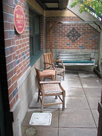 The Orenco: Private patio/courtyard