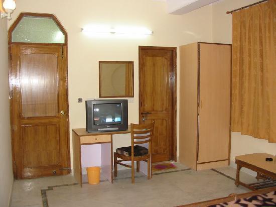 Hotel Baba Continental - Room
