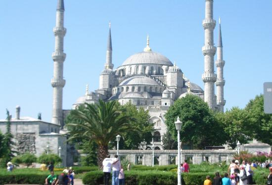 Romantic Hotel Istanbul: The Blue Mosque from the hotel
