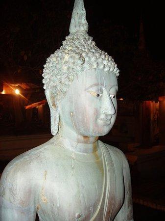 Colombo, Sri Lanka: Este se kedo de piedra al ver a uno de Puerto Real alli...