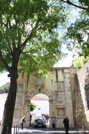 ปราสาทเซนต์จอร์จ: Castelo de São Jorge