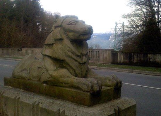 Lions Gate Bridge : The Lion of the lion's gate bridge