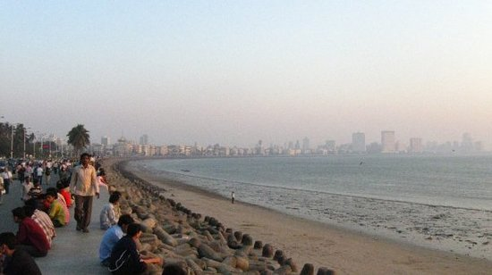 Marine Drive (Netaji Subash Chandra Marg/Queen's Necklace)