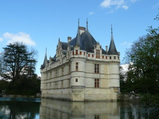 tower picture of chateau of azay le rideau azay le rideau tripadvisor. Black Bedroom Furniture Sets. Home Design Ideas