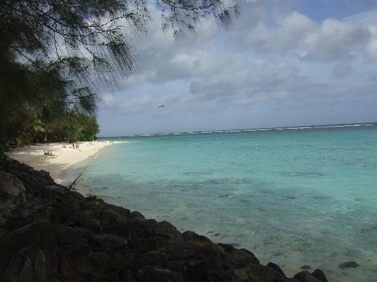 Backpackers International: Aro'a beach - best snorkelling