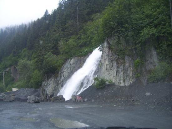 waterfall in seward picture of seward alaska tripadvisor. Black Bedroom Furniture Sets. Home Design Ideas