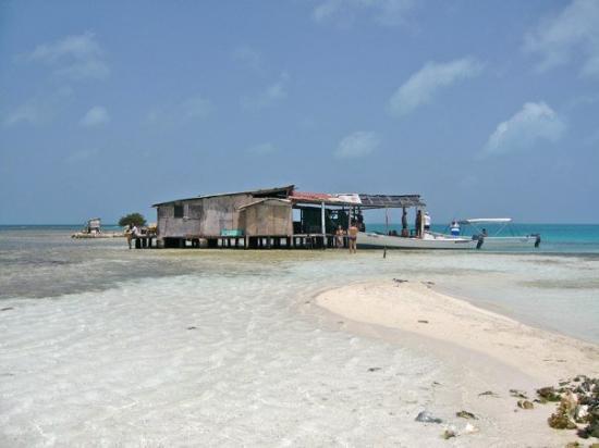 El palafito una casa en medio del mar picture of los - Casas en el mar ...