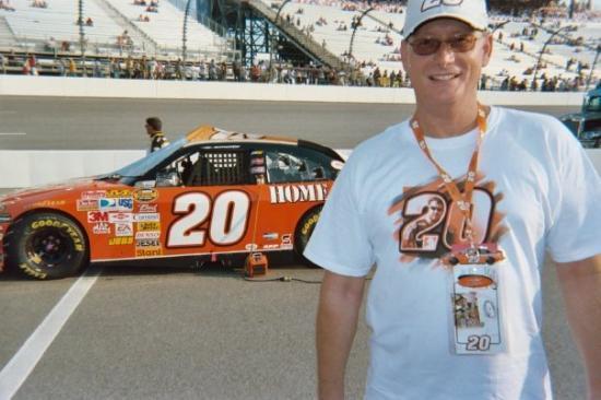 Virginia International Raceway: Tony Stewart - The Man!