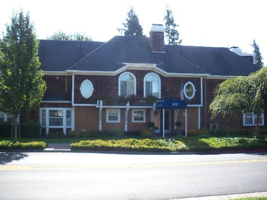 BEST WESTERN PLUS Elm House Inn : Best Western Elm House Inn