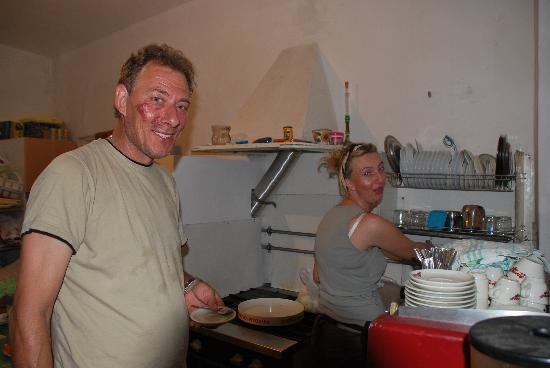 Loborika, Kroatië: Stelio and his wife Mirta, the sweety owners, in the kitchen.