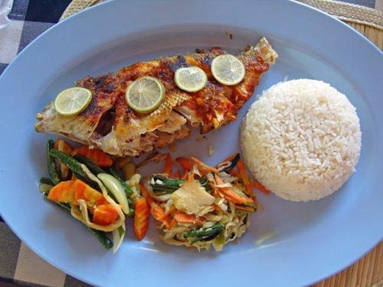 Warung susu pemuteran restaurant avis num ro de - Accompagnement poisson grille barbecue ...