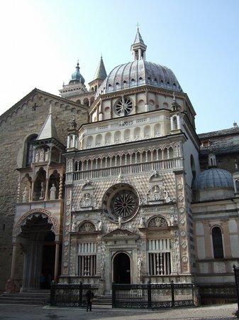 Cappella Colleoni : コッレオーニ礼拝堂外観