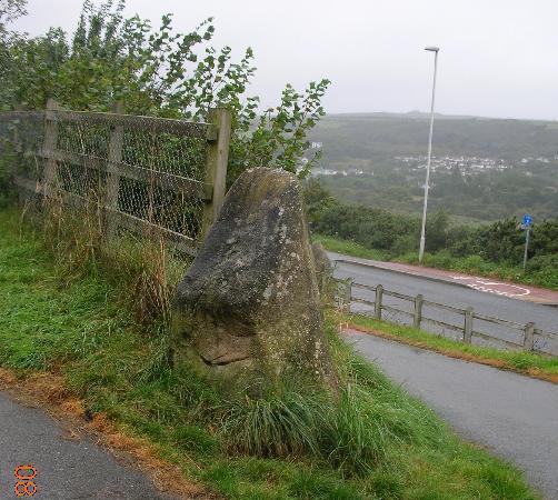 Ivybridge Guest House: Mini-menhir marking a walking path near Ivybridge