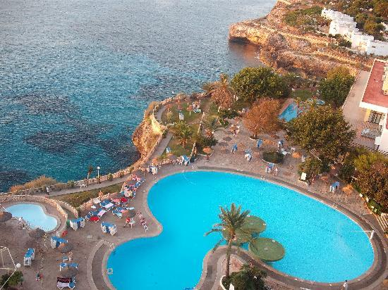 I live on the cliffs ! - Picture of HSM Canarios Park, Calas de Majorca - TripAdvisor