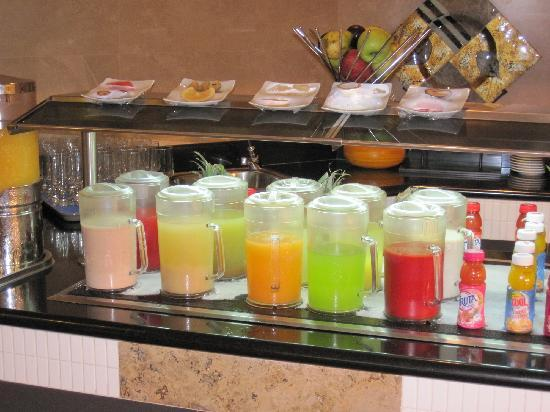 Iberostar Grand Hotel Rose Hall: buffet petit dejeuner