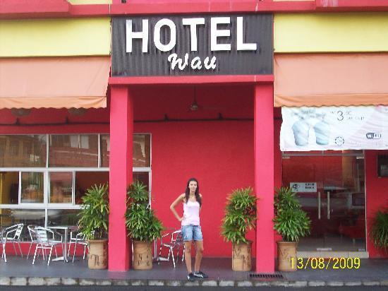 Wau Hotel & Cafe: Facciata esterna