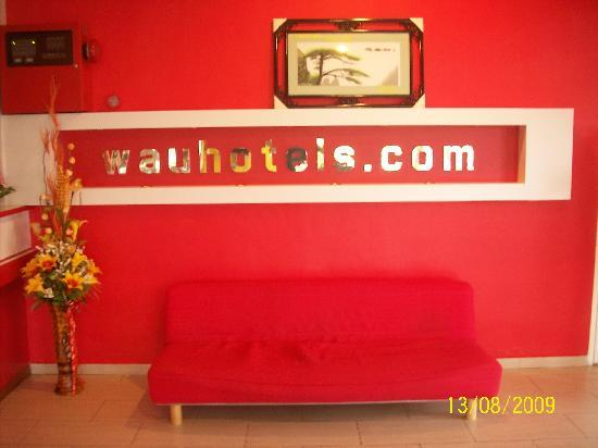 Wau Hotel & Cafe: Interno