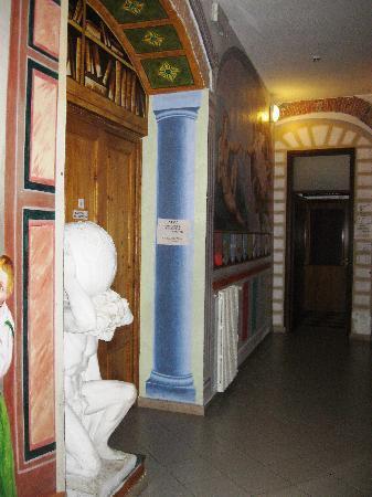 Hostel Archi Rossi: inside
