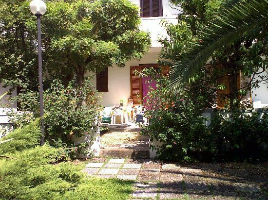 Residence Borgo Latino: Visione di fronte dell'app.to