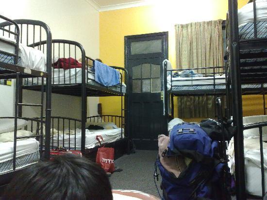 Base Backpackers: 10p room