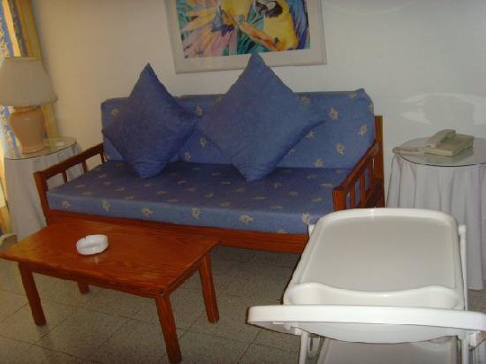 Tamaran Apartments : salon