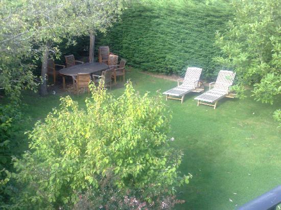 The Barn Loft : Garden area