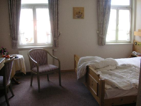 Zur alten Mühle: bedroom