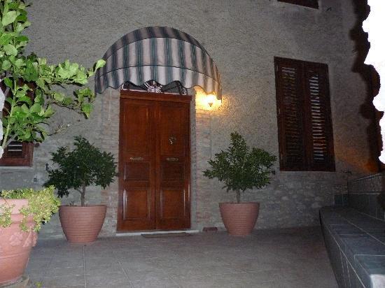 Patti, Italy: L'entrata