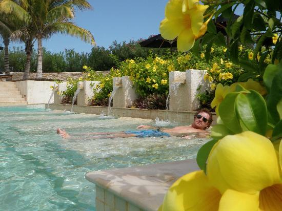 Rosewood Mayakoba: main pool away from the beach