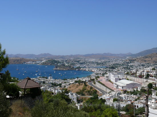 Grad Bodrum, Turska: view over bodrum from the east side