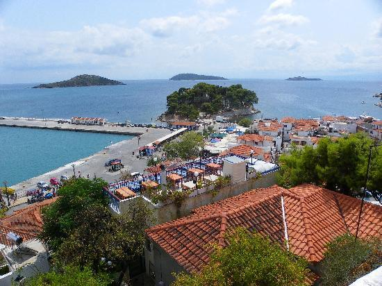Skiathos town harbour picture of golden beach hotel for Skiathos town hotels