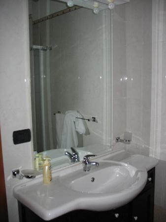 B & B I Quattro Rioni : bagno