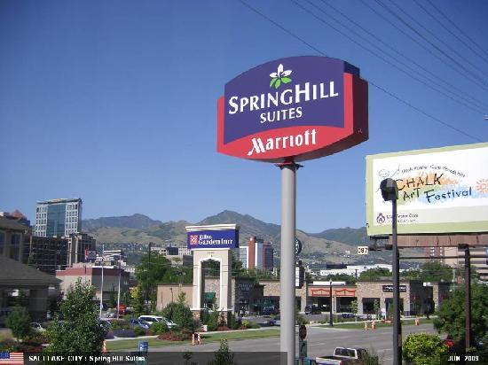 SpringHill Suites Salt Lake City Downtown: Hotel from Outside