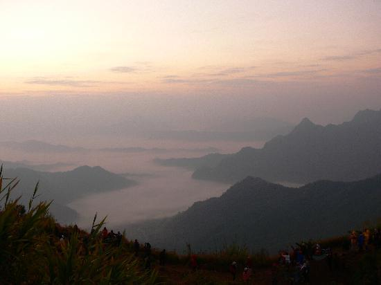 Phu Chi Fa Forest Park: View over Laos