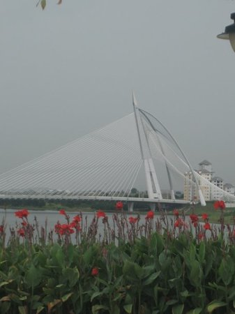 جسر بوتراجايا