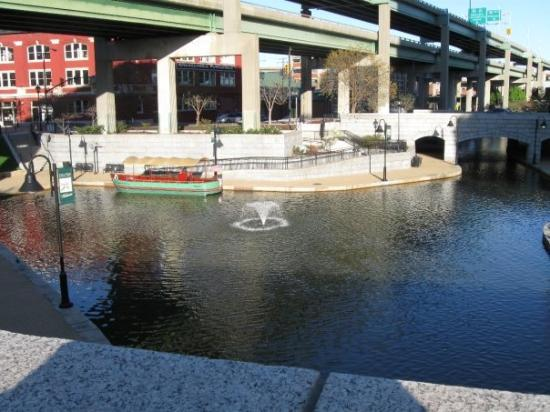 Canal Walk: the canal