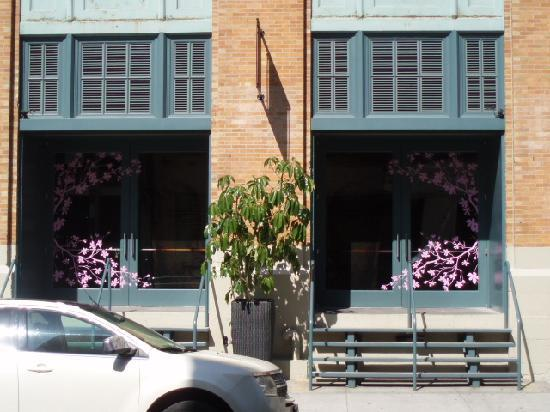 Buddha Bar: Front Entrance