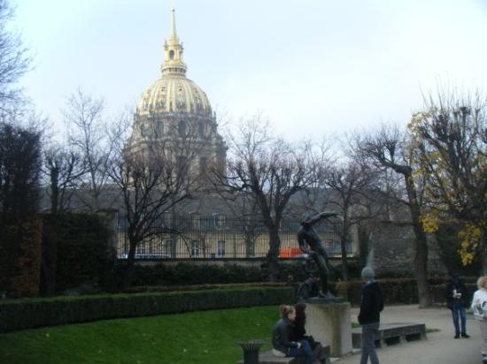 พิพิธภัณฑ์รอแด็ง: Hôtel des Invalides par le jardin