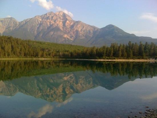 Pyramid and Patricia Lakes: Patricia Lake