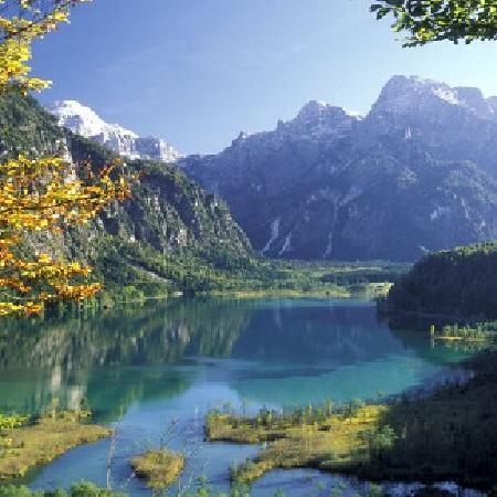 Grünau im Almtal, Austria: Lake Almsee in October