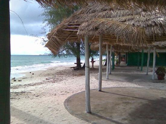 Otres Beach: crowded beach !